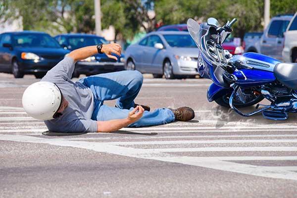 Mejor abogado de accidentes de motocicleta DB Hill Law Lincoln CA